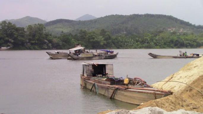 Băm nát sông Hương - Ảnh 1.