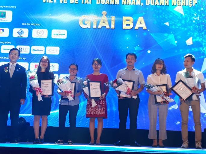 Báo Người Lao Động đoạt 2 giải báo chí viết về doanh nhân, doanh nghiệp - Ảnh 1.
