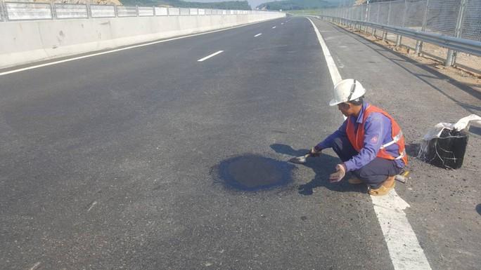 Chủ đầu tư nói gì về cao tốc Đà Nẵng – Quảng Ngãi 34.000 tỉ đầy ổ gà? - Ảnh 10.