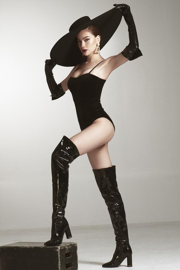 Giám khảo khách mời Asia's Next Top Model Hồ Ngọc Hà khoe dáng nóng bỏng - Ảnh 2.