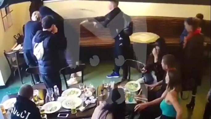 Tuyển thủ Nga say xỉn, đánh quan chức cấp cao nhập viện? - Ảnh 1.
