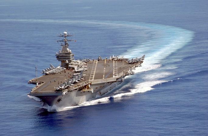 Uy lực của tàu sân bay Mỹ sắp thăm Đà Nẵng - Ảnh 1.