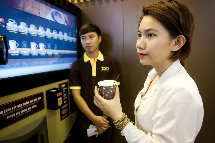 Máy bán cà phê rang xay tự động đầu tiên tại Việt Nam - Ảnh 12.