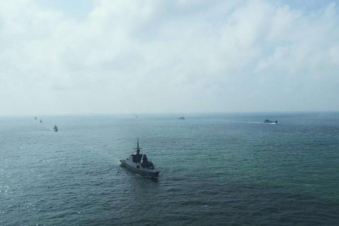 Tránh chạm trán ở biển Đông - Ảnh 1.
