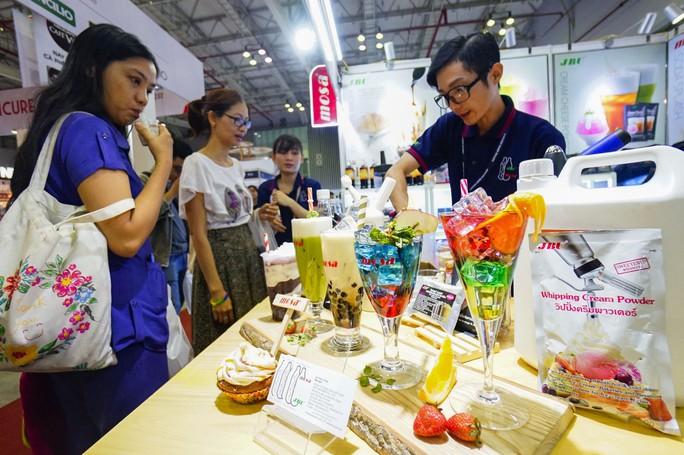Máy bán cà phê rang xay tự động đầu tiên tại Việt Nam - Ảnh 2.