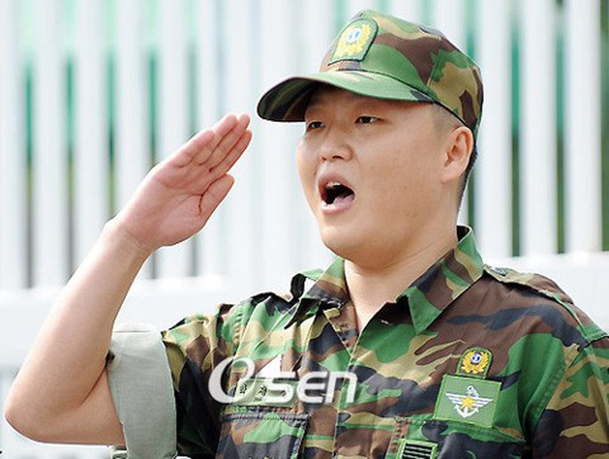 Son Heung-min tranh thủ đi… nghĩa vụ quân sự giữa mùa dịch - Ảnh 3.