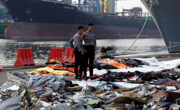Phi công máy bay Lion Air rơi từng báo sự cố 1 ngày trước thảm kịch  - Ảnh 1.