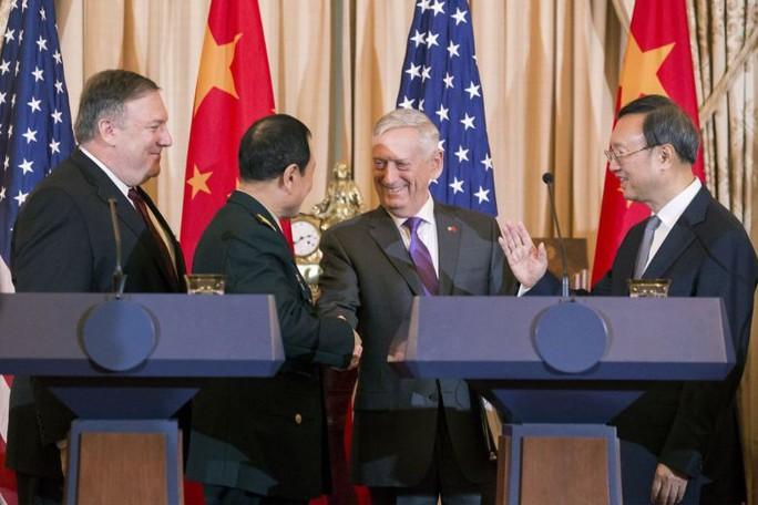 Mỹ yêu cầu Trung Quốc ngưng quân sự hóa biển Đông - Ảnh 1.