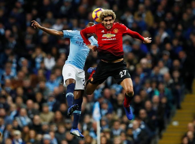 Truyền thông Anh tổng công kích Man United sau thất bại trận derby - Ảnh 2.