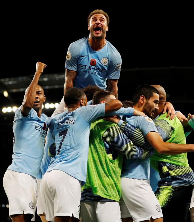 Truyền thông Anh tổng công kích Man United sau thất bại trận derby - Ảnh 8.