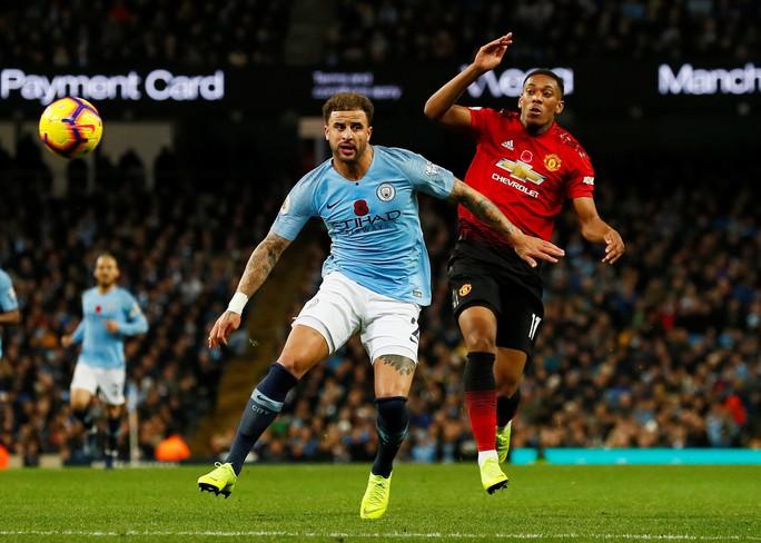 Truyền thông Anh tổng công kích Man United sau thất bại trận derby - Ảnh 6.