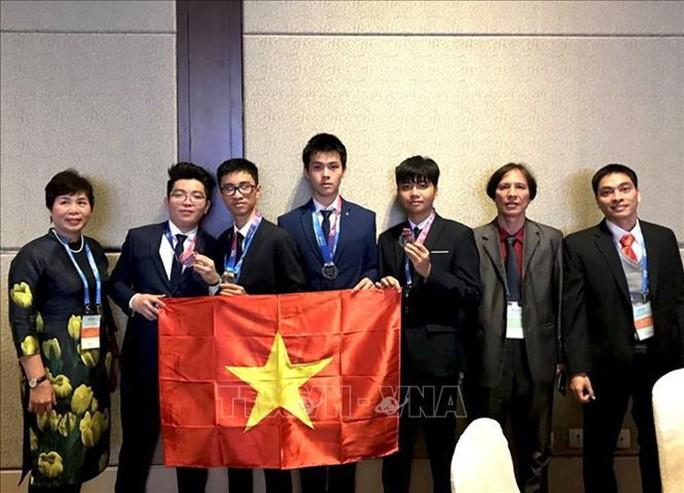 Việt Nam giành HCV Olympic thiên văn học và vật lý thiên văn quốc tế - Ảnh 1.