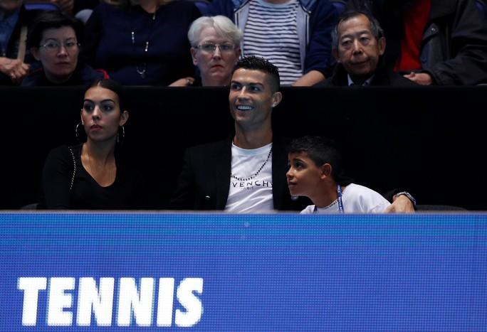 Gia đình Ronaldo tiếp sức giúp Djokovic chiến thắng - Ảnh 1.