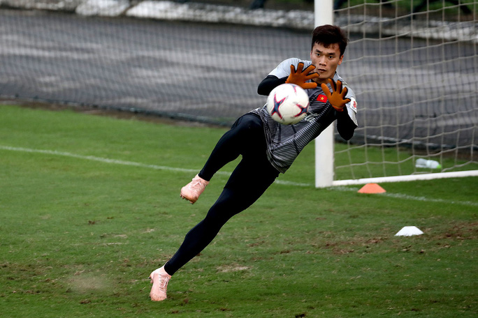 Gặp Malaysia, chỉ cần thủ môn ổn - Ảnh 1.