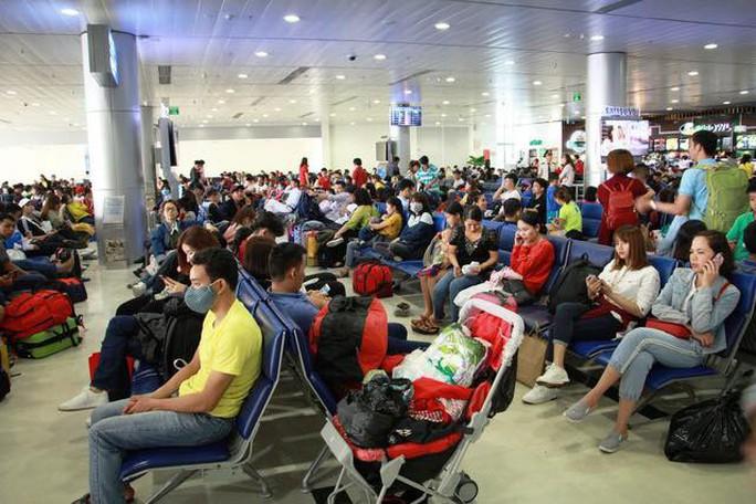 Bị từ chối nhập cảnh, một hành khách phải lưu trú tại sân bay Tân Sơn Nhất hơn 1 tháng - Ảnh 1.