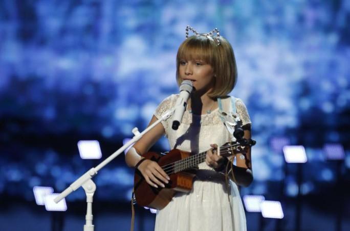 Cô bé hát trên YouTube vào tốp 30 người trẻ nổi tiếng của Forbes - Ảnh 2.