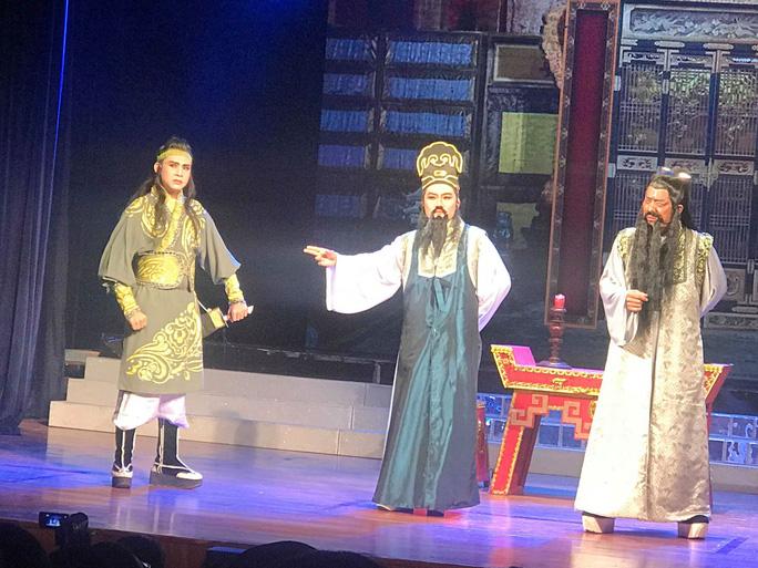 Nghệ sĩ Linh Trung tạo dấu ấn mới qua vai Bao Công - Ảnh 2.