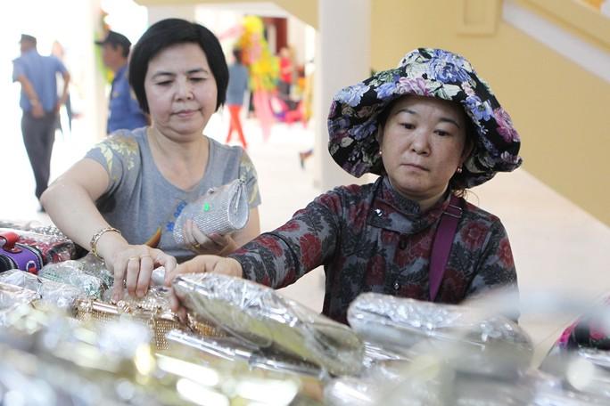 Ngôi chợ gần 100 tuổi ở TP HCM chính thức mở cửa trở lại - Ảnh 13.