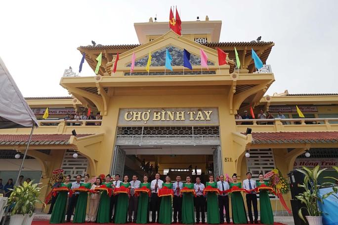 Ngôi chợ gần 100 tuổi ở TP HCM chính thức mở cửa trở lại - Ảnh 2.