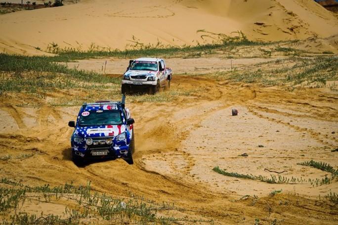Chuẩn hoá cấp quốc tế cho giải đua ô tô địa hình - Ảnh 3.
