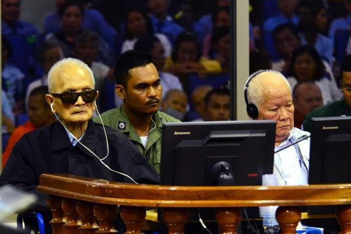 Hai cựu thủ lĩnh Khmer Đỏ lãnh thêm án chung thân vì tội diệt chủng - Ảnh 1.