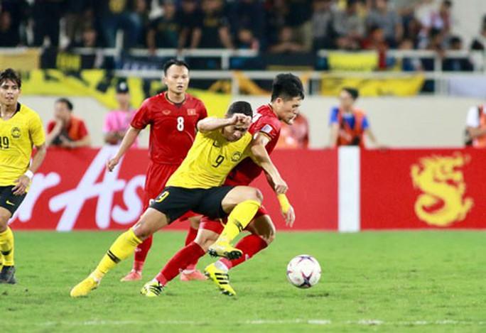 Tuyển Việt Nam đá bại Malaysia: Khi cả đội cùng phòng ngự - Ảnh 4.