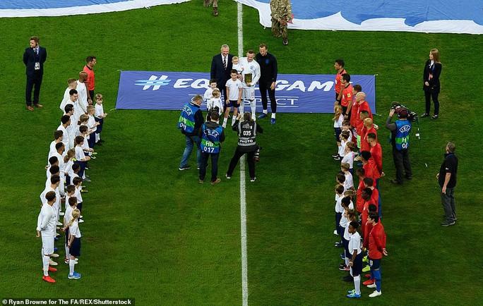 Rooney đá trận giã từ, tuyển Anh nhẹ nhàng thắng Mỹ - Ảnh 2.