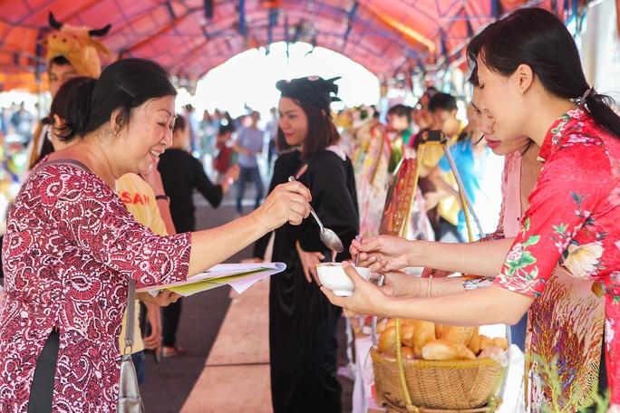 Hàng trăm món ngon ở lễ hội ẩm thực Vissan - Ảnh 8.
