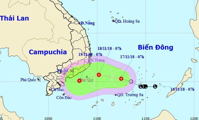 Áp thấp nhiệt đới giật cấp 8 trên Biển Đông hướng về Nam Bộ - Ảnh 1.