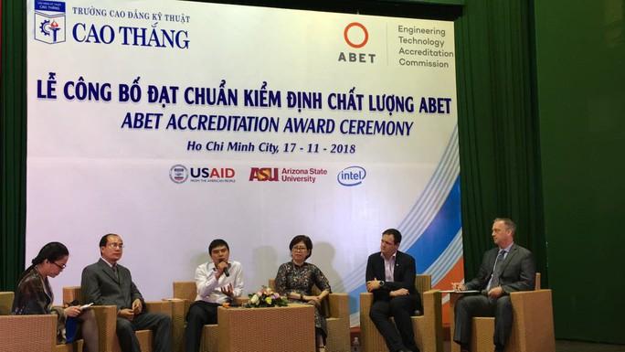 Trường thứ 2 của Việt Nam đạt chuẩn kiểm định chất lượng ABET - Ảnh 1.