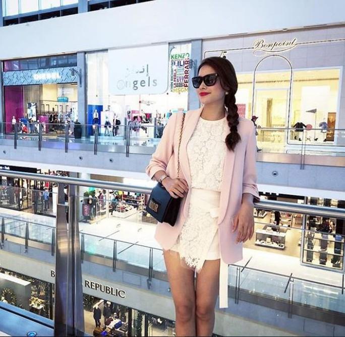 Hoa hậu Phạm Hương xuất hiện sau tin đồn đi Mỹ sinh con - Ảnh 1.