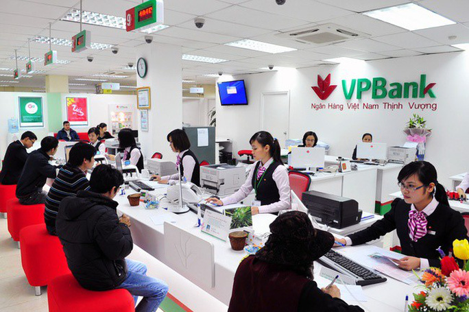 Gia đình Chủ tịch HĐQT VPBank thu mua 21 triệu cổ phiếu - Ảnh 1.