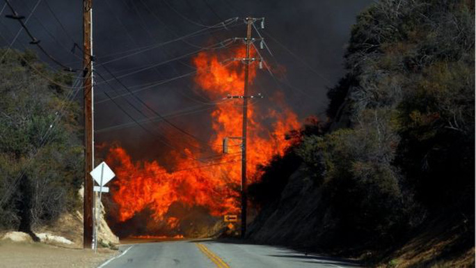 Cháy rừng California: Hơn 1.000 người mất tích, khói độc phát tán hàng trăm km - Ảnh 7.