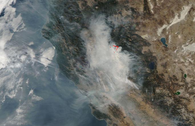 Cháy rừng California: Hơn 1.000 người mất tích, khói độc phát tán hàng trăm km - Ảnh 6.