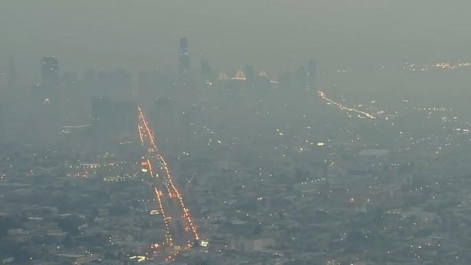 Cháy rừng California: Hơn 1.000 người mất tích, khói độc phát tán hàng trăm km - Ảnh 8.