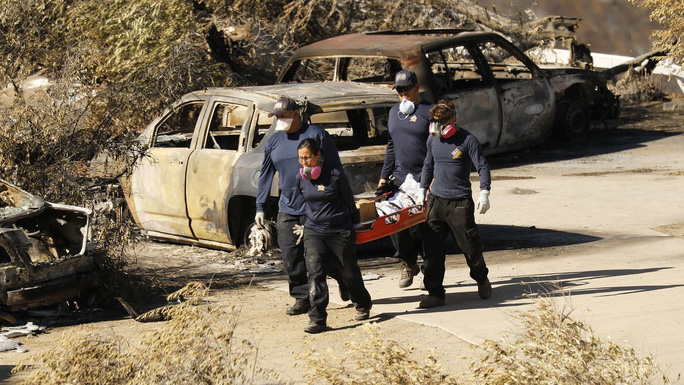 Cháy rừng California: Hơn 1.000 người mất tích, khói độc phát tán hàng trăm km - Ảnh 4.