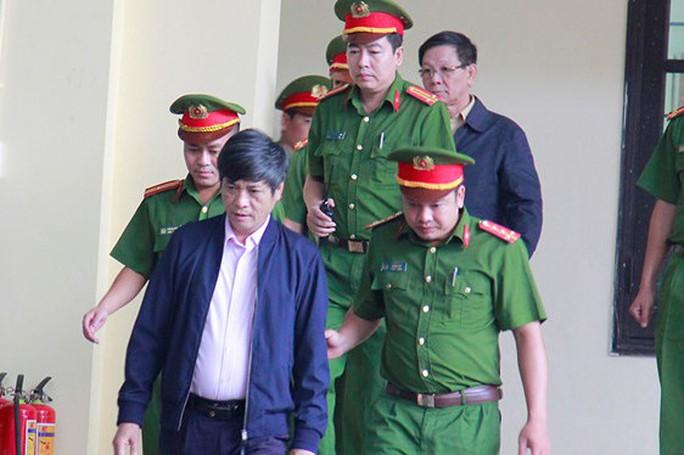 Đề nghị bất ngờ cho 2 ông Phan Văn Vĩnh và Nguyễn Thanh Hóa - Ảnh 1.