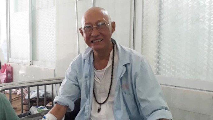 Nghệ sĩ Lê Bình cô độc chống chọi căn bệnh quái ác - Ảnh 4.