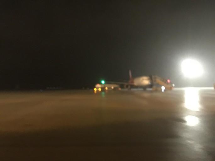 Bay quốc tế tới Nha Trang gặp áp thấp nhiệt đới phải hạ cánh xuống TP HCM - Ảnh 1.