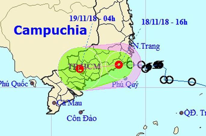 Áp thấp nhiệt đới quét qua TP HCM đêm nay - Ảnh 1.