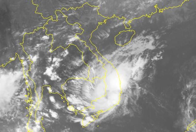 Áp thấp nhiệt đới quét qua TP HCM đêm nay - Ảnh 2.