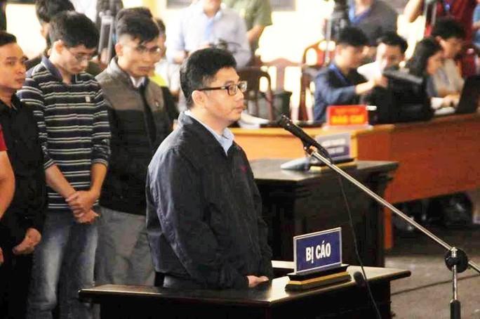 Ông trùm Nguyễn Văn Dương khai tự nguyện cho ông Phan Văn Vĩnh 27 tỉ đồng, 1,7 triệu USD - Ảnh 1.