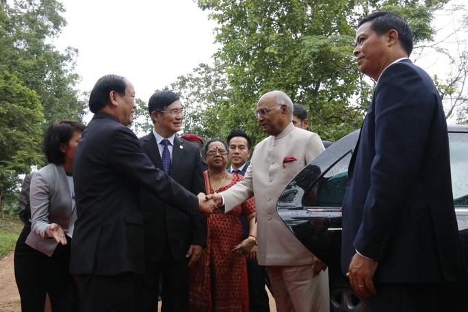 Tổng thống Ấn Độ cùng phu nhân thăm di sản thế giới Mỹ Sơn - Ảnh 3.