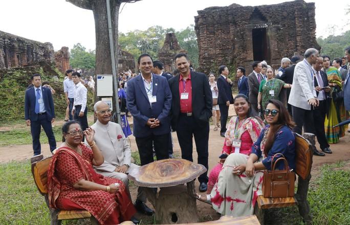 Tổng thống Ấn Độ cùng phu nhân thăm di sản thế giới Mỹ Sơn - Ảnh 11.