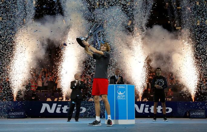 Djokovic thua sốc ở chung kết, Zverev vô địch ATP Finals 2018 - Ảnh 10.