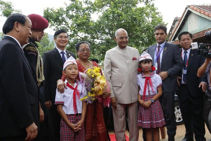 Tổng thống Ấn Độ cùng phu nhân thăm di sản thế giới Mỹ Sơn - Ảnh 4.