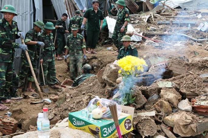 Nha Trang tang thương xóm Núi - Ảnh 1.