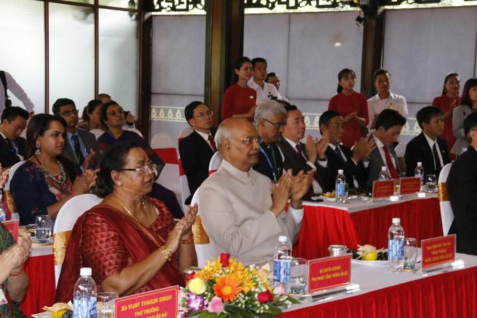Tổng thống Ấn Độ cùng phu nhân thăm di sản thế giới Mỹ Sơn - Ảnh 7.