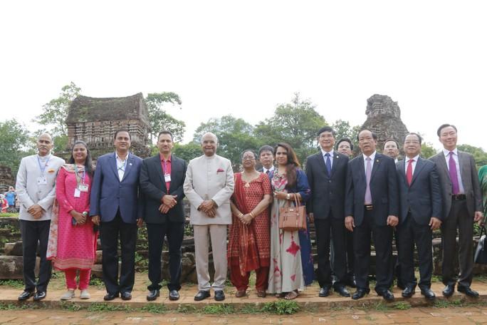 Tổng thống Ấn Độ cùng phu nhân thăm di sản thế giới Mỹ Sơn - Ảnh 10.
