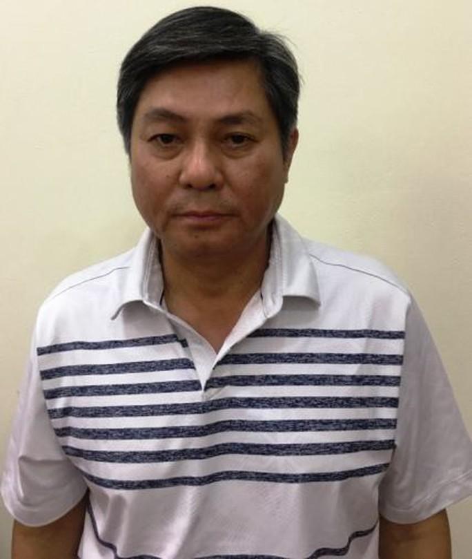 Bắt cựu Phó Chủ tịch UBND TP HCM Nguyễn Hữu Tín - Ảnh 2.